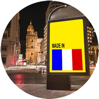 Totem dans la rue fabriqué en France